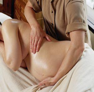 Фото - Массаж от растяжек при беременности
