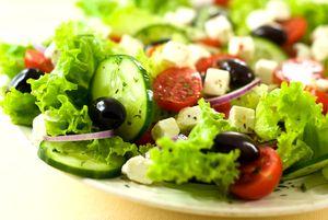 Фото - Овощной салат на завтрак
