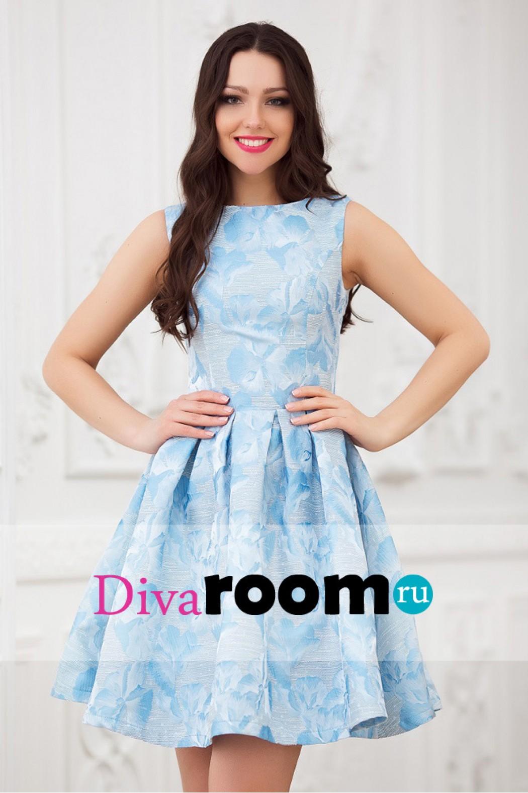 Фото - Коктейльное платье небесного цвета