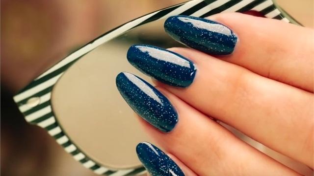Фото - Осенний маникюр на закругленных ногтях