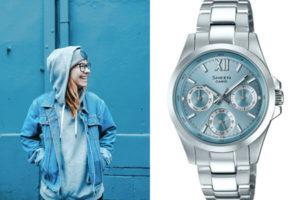 Часы с синим цветом