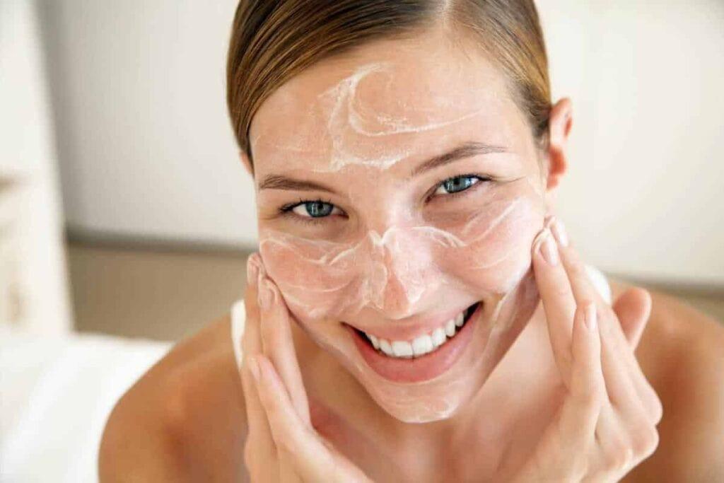 очищение, тонизирование, увлажнение и питание кожи лица