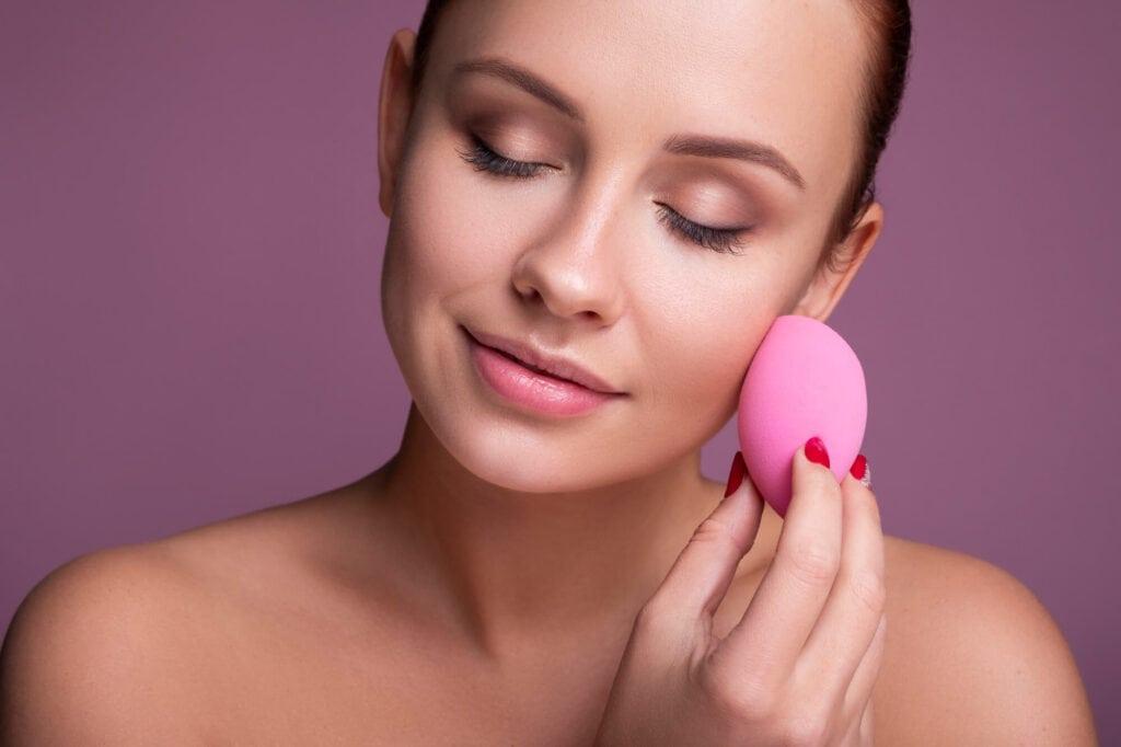 Как нанести тональный крем на сухую кожу